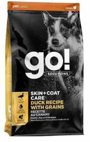 """גו! ברווז סקין + קואט מופחת דגנים לכלב 11.3 ק""""ג + 1.6 ק""""ג מתנה"""