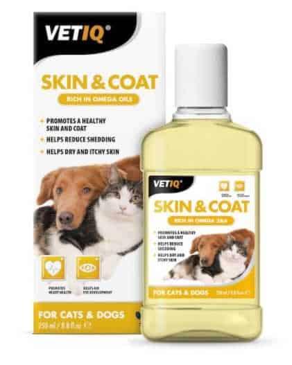 """שמן לטיפוח העור והפרווה לכלב וחתול VET IQ בנפח 250 מ""""ל"""